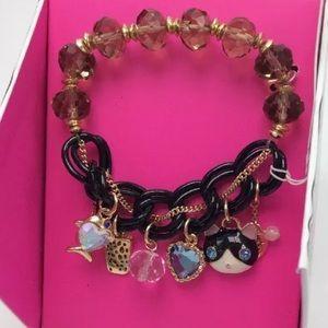 💝💝BETSEY JOHNSON💝💝 Brand NEW💕 Charm Bracelet